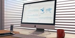 Каква е разликата в статистиката и данните между Google Analytics и Google Webmaster Tools?