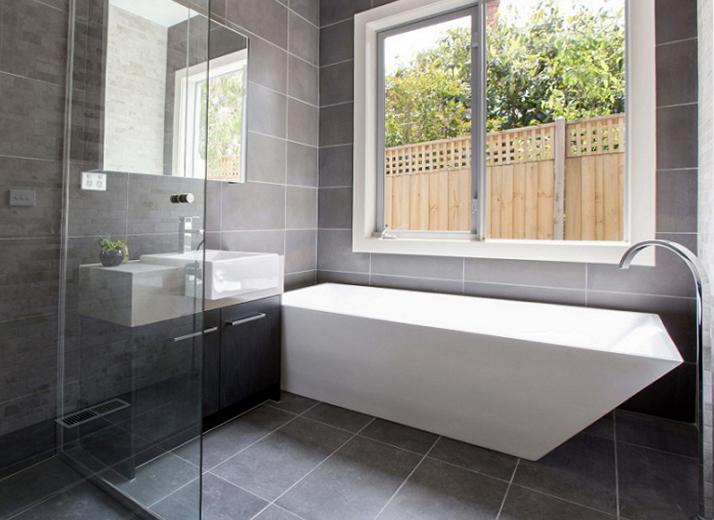 Технология, дизайн и футуристична естетика в банята